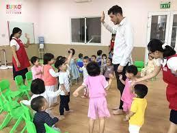 4 lợi ích khi trẻ học tiếng Anh sớm | Mầm non Nhật Bản EIJIKO