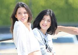 all natural kylie jenner right and kendall jenner left wore natural