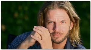 Facundo Arana, es un actor argentino, ganador de varios premios Martín Fierro. Facundo Arana. Comenzó su carrera tocando el saxo en la línea D del subteallí ... - facundo-arana