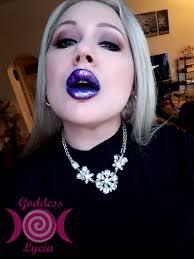 Erotic stories fetish femdom lipstick