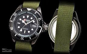 mens sport wrist watch quartz date waterproof analog army green shark army is a branch brand of shark sport watch militarydesign accurately and compactly high quality quartz movement bring the strong power to your