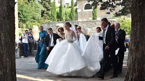 Victoria Swarovski: Shitstorm für 800.000 Euro teures Luxus-Brautkleid