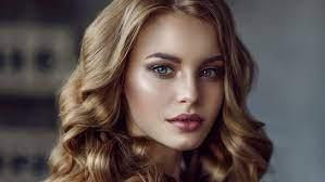 1600x1200 Beautiful Face Blonde Girl 4k ...