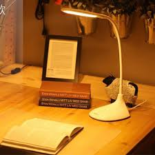 Bật mí kinh nghiệm chọn đèn bàn học cho trẻ em