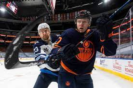 We will be showing all the oilers games at the restaurant. Muy Ehsfxacaum