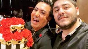 Murat Övüç'ün oğlu trafikte dehşet saçtı! Küfürler yağdırıp ateş ettiği  anlar kamerada