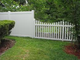 Custom Privacy Fence Designs Mossy Oak Fence Fence Design Vinyl Privacy Fence Backyard