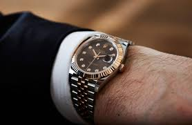 a review of rolex oyster perpetual datejust 41 men s watch men rolex oyster perpetual datejust 41 men s watch there are two main contenders for the title of most recognisable watch in the world