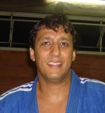 ... fez presente com vários atletas das equipes Luis Nahun e Carlos Roque e entre todos os competidores queremos destacar o Dr. Gustavo da Costa Rodrigues, ... - 1241092997Dr.Gustavo