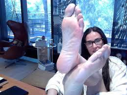 Web cam teen feet