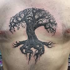 татировка на груди парня дерево жизни иггдрасиль фото рисунки