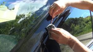 Как установить ветровики на <b>окна</b> боковых дверей автомобиля ...