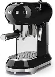 Bella coffee's special introductory prices are the lowest in the uae. Amazon Com Smeg Espresso Machine Black Ecf01 Blus Kitchen Dining