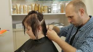 Proměna Kristýny 18 Rakovina Jí Vzala Vlasy Už Je Zase Krásná