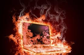 نتیجه تصویری برای گرم شدن لپ تاپ