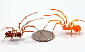 Wesley Fleming Makes Tiny Glass Insect Sculptures - TettyBetty