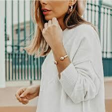<b>UNOde50</b> - Белый цвет одежды – идеальный фон, который ...