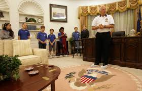 oval office photos. Volunteer Tom Gate Gives A Tour Of An Oval Office Replica In Corona To Group Photos