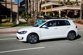 2018 volkswagen e golf range.  range 2017 volkswagen egolf gets improved range 1500 price hike  motor trend with 2018 volkswagen e golf range a
