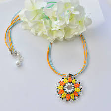 pandahall tutorial how to make a 2 hole seed bead flower pendant necklace