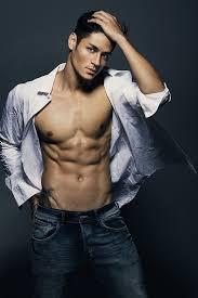 Hideo Muraoka Model 筋肉 男性のフィットネスモデル男性の体