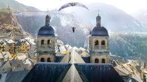 jean baptiste chandelier jean chandelier is pushing the limits of paragliding jean baptiste chandelier interview