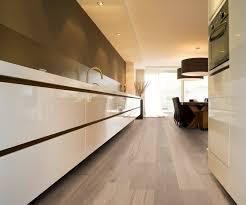 Een Houten Vloer In De Keuken Uw Keukennl