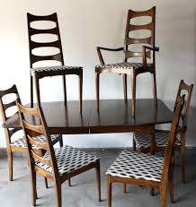 mid century dining table mid century kroehler dining set four side chairs two captain chairs