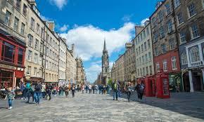 Travelers to this popular tourist destination are captivated by its rich and stunning landscapes. Vad Man Ska Gora Och Se I Edinburgh Skottlands Huvudstad Guide 2021