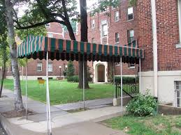 Tudor Court 2 Bedroom Apartment With Balcony. 410 Ludlow Cincinnati Ohio  45220