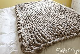 Chunky Knit Blanket Pattern Stunning Arm Knit A Blanket In 48 Minutes By Simply Maggie SimplyMaggie