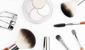 beauty contributor and cancer survivor elfreda mcgowan joins us today with a post on makeup brushes if you wonder why you need them and where to start