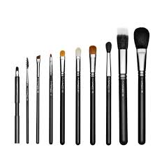 m a c pro student brush kit