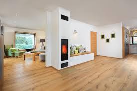 Kamin Mit Sitzbank Als Raumteiler Wohnideen Haus Bongart