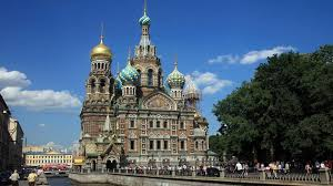 It is situated on the neva river, at the head of the gulf of finland on the baltic sea. Die Spektakularen Weissen Nachte Von St Petersburg