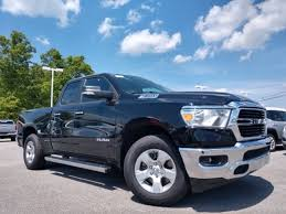 New 2019 Ram 1500 BIG HORN / LONE STAR QUAD CAB 4X2 6'4 BOX For Sale Near Lenoir City, Sparta, Cookeville, TN 327889 1C6RREBT1KN827889