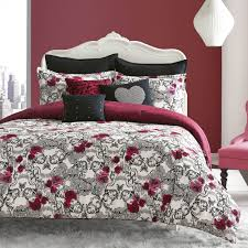 betsey johnson rock out comforter set reverses to lace skull print this set is made