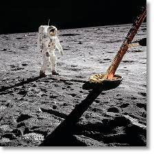 Buzz Aldrin, Apollo 11, Inspecting the Eagle - house-of-space.com