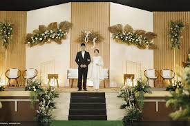 Blooming Design And Events Miami 17 Modern Wedding Stage Design And Decor Inspirations Youll