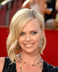 Charlize Theron Short Hair Style a new life hartz charlize theron different hairstyle 6887 by wearticles.com