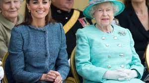 Photos of the very beautiful kate middleton, her royal highness the duchess of cambridge & future queen of england. Is Kate Middleton Preparing To Be Queen 5 Drastic Style And Behavior Changes That Prove It