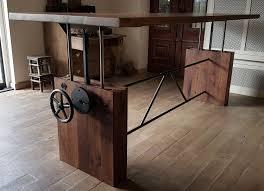 Dieser Tisch Hat Ein Höhenverstellbar Tischgestell Das In Unserer
