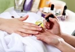 vancouver nail salons for a mani pedi