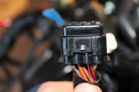 newb wiring harness mess help please and thank you yamaha her s some of them to start anyway these 2 almost definitely go together again you should be able to be 100% by seeing the wire to wire colors between the