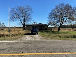 One Acre Wednesday ~ c.1950 Fixer Upper Pocahontas AR Under $10K ~ Off  Market - Old Houses Under $50K