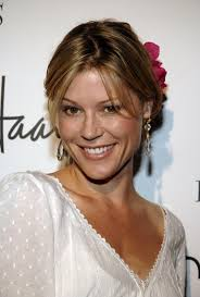 Julie Bowen. Is this Julie Bowen the Actor? Share your thoughts on this image? - julie-bowen-482445850