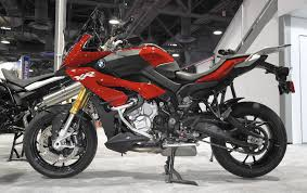 Bmw S S1000xr Sport Bike An Ideal Blend Of Comfort And Performance