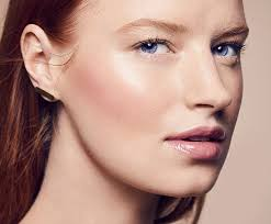 8 makeup application tips for pale skin according to beauty pros