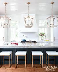 kitchen pendant lighting over island