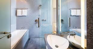 oasia hotel novena singapore club room bathtub 1 2